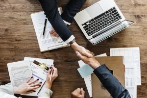 corporate partnering blockchain district